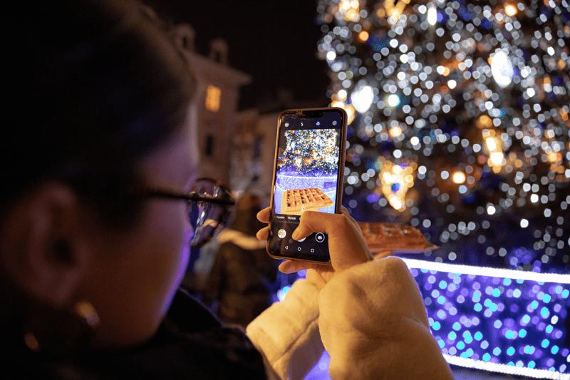 holiday smartphone