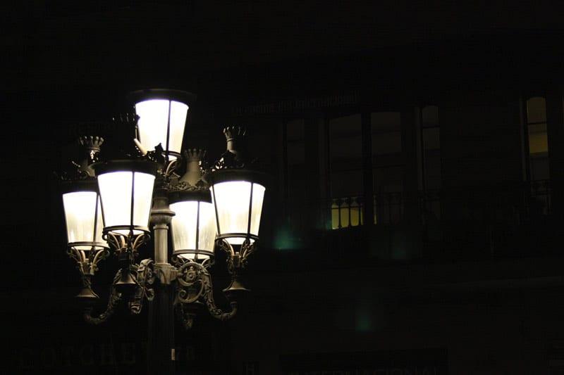 old-fashioned gaslights